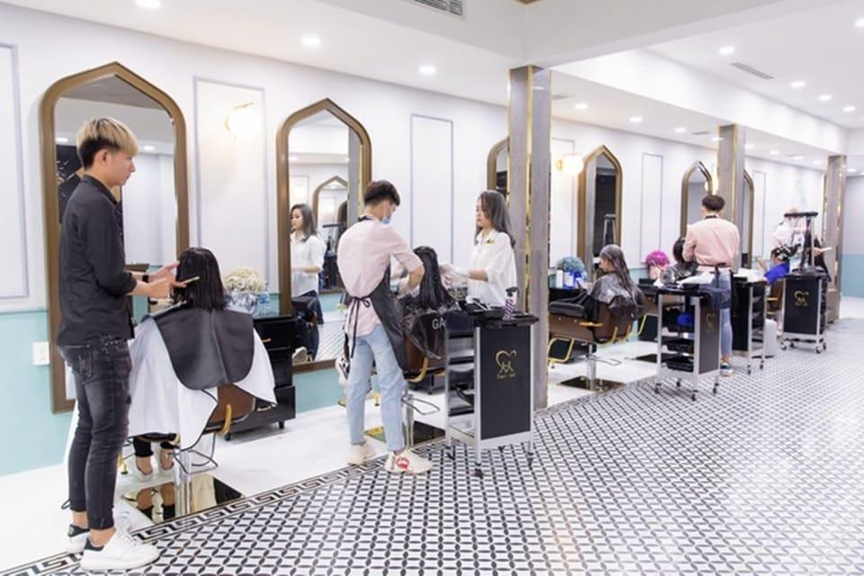 Trang trí tiệm tóc hiện đại đơn giản
