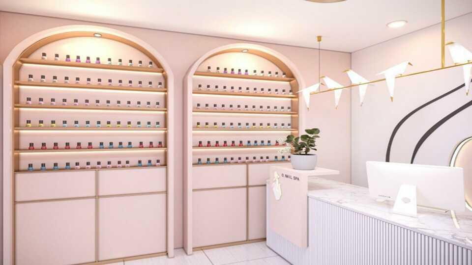 trang trí tiệm nail diện tích nhỏ với kệ sơn treo tường
